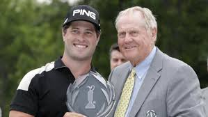 David Lingmerth presented the Memorial winners trophy by founder, Jack Nicklaus.